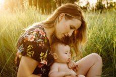 Način na koji je dete vezano za majku značajno utiče na razvoj njegove ličnosti, inteligencije i odnosa sa drugim ljudima